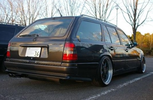 Mercedes W124 Farmari Amg Look Takapuskuri Tuning Design