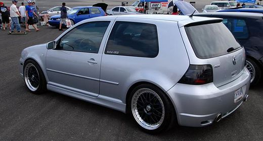 Takaspoileri R32 look VW Golf IV