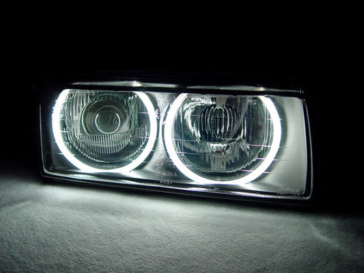 LED CCFL angel eyes renkaat ajovaloihin. BMW E39 (95-00), E36 (91-98), E38 (94-01), E46 4/5D xenon (98-00) &  E46 4/5D xenon (01-05)