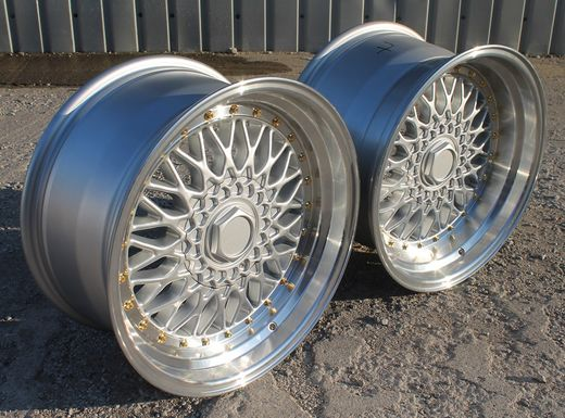 "Japan Racing JR9 17"" 5x112/120 8½"" et20 & leveät 10"" et20 vanteet"