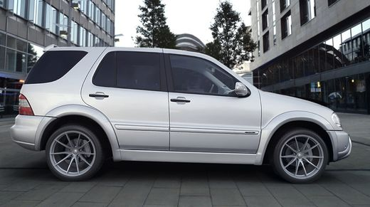 Mercedes ML W163 97-05 AMG look kaarilevikesarja